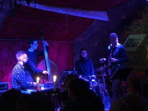 Sommermusik im Schlossgarten mit: Peter Ripkens Quintett